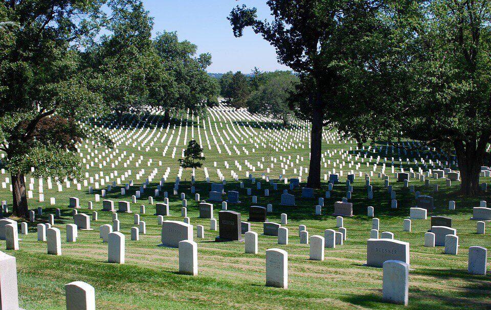 Látogasd meg Arlington National Cemeteryt, a legnagyobb katonai temetőt!