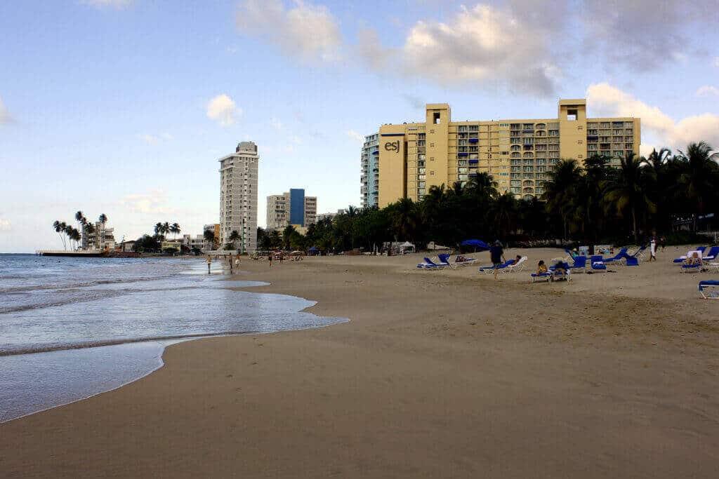 Lazíts egyet Isla Verde gyönyörű tengerpartján!